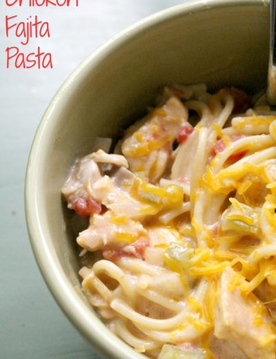 closeup of half of bowl of crock pot chicken fajitas pasta