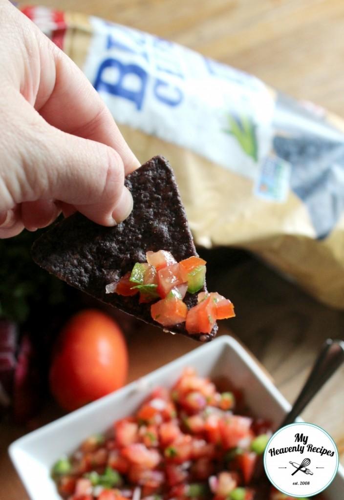 Chunky Lime Salsa Recipe on Blue corn Chip