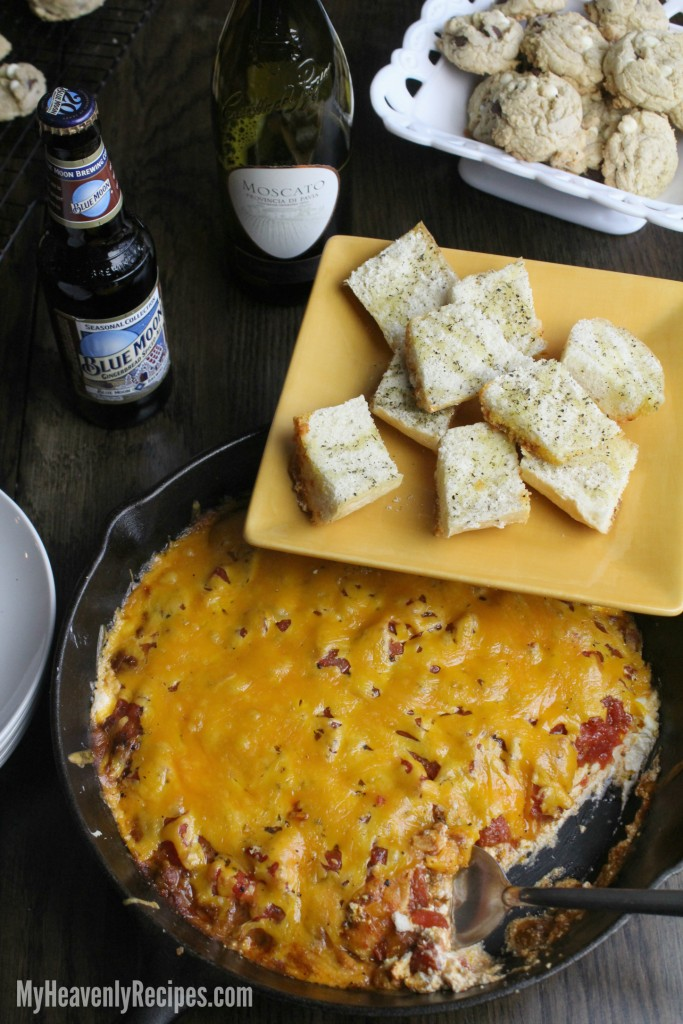 chili dip with garlic bread
