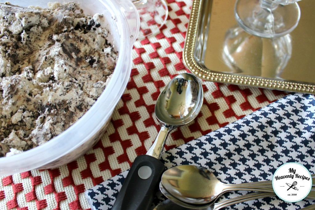container of no-churn Cookies and Cream ice cream