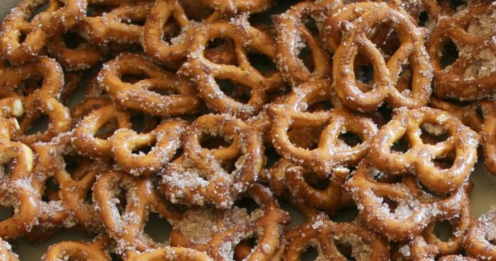 facebook-image-cinnamon-sugar-pretzels