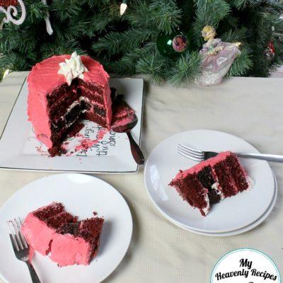 Santa's belt designed out of an easy Christmas cake