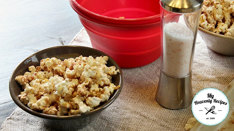 Cinnamon and Sugar popcorn in a bowl