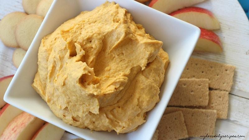 bowl of fluffy sweet pumpkin dip