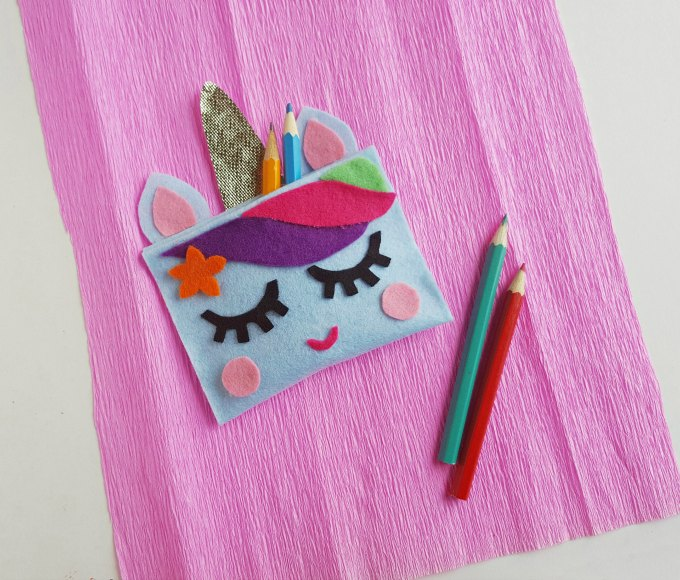 DIY Unicorn Pencil Case! Cute and easy kids craft idea! #diy #kidscraft #unicorndiy #unicorn #unicorntheme #unicorncraft