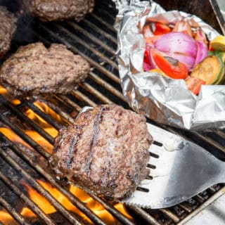 Burger keto burgers on the grill