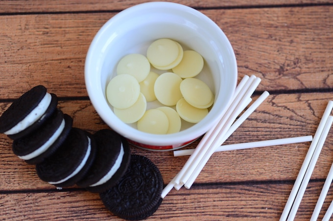 What you'll need to make Winnie the Pooh Oreo Pops