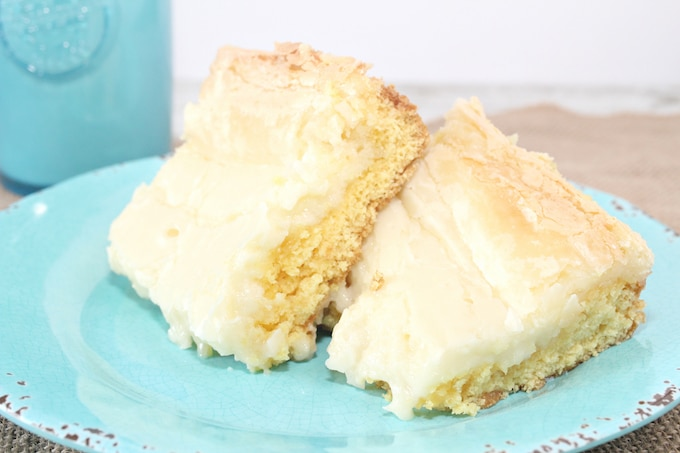 This traditional Gooey Butter Cake is really simple to make and master!