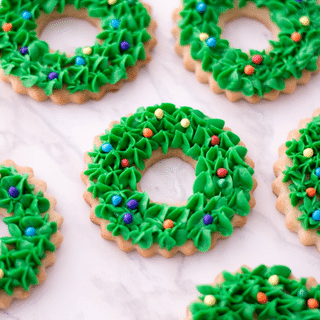 Christmas Wreath Cookies with text