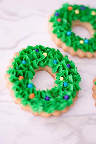 Christmas Wreath Cookies.Christmas Wreath Cookies