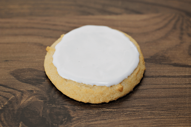 sugar cookies with white icing