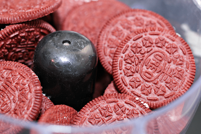 red velvet oreo cookies in food processor
