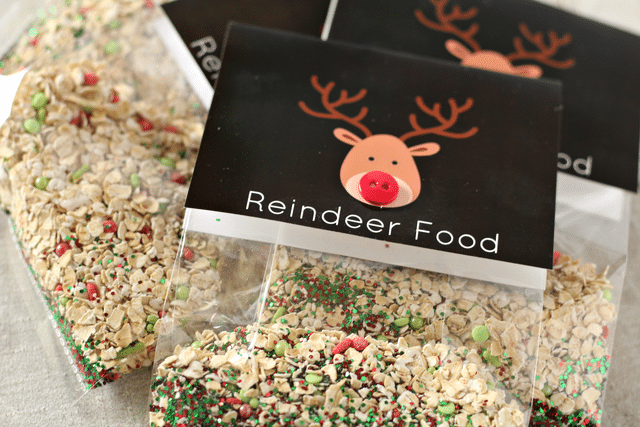 oats, sprinkles, glitter, reindeer food labels with button, clear bag