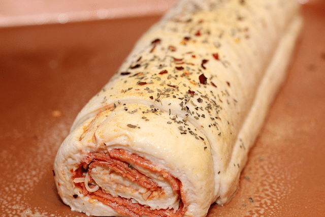 rolled pizza sub calzone