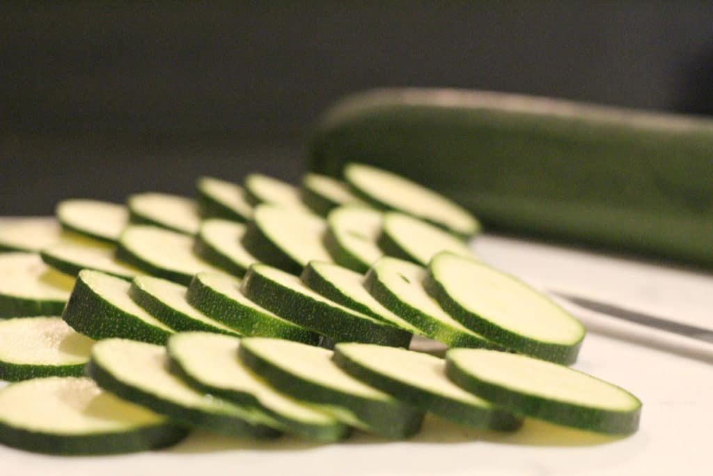 sliced zucchini chips