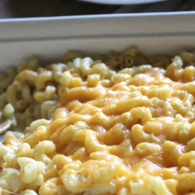Macaroni and cheese casserole featured image