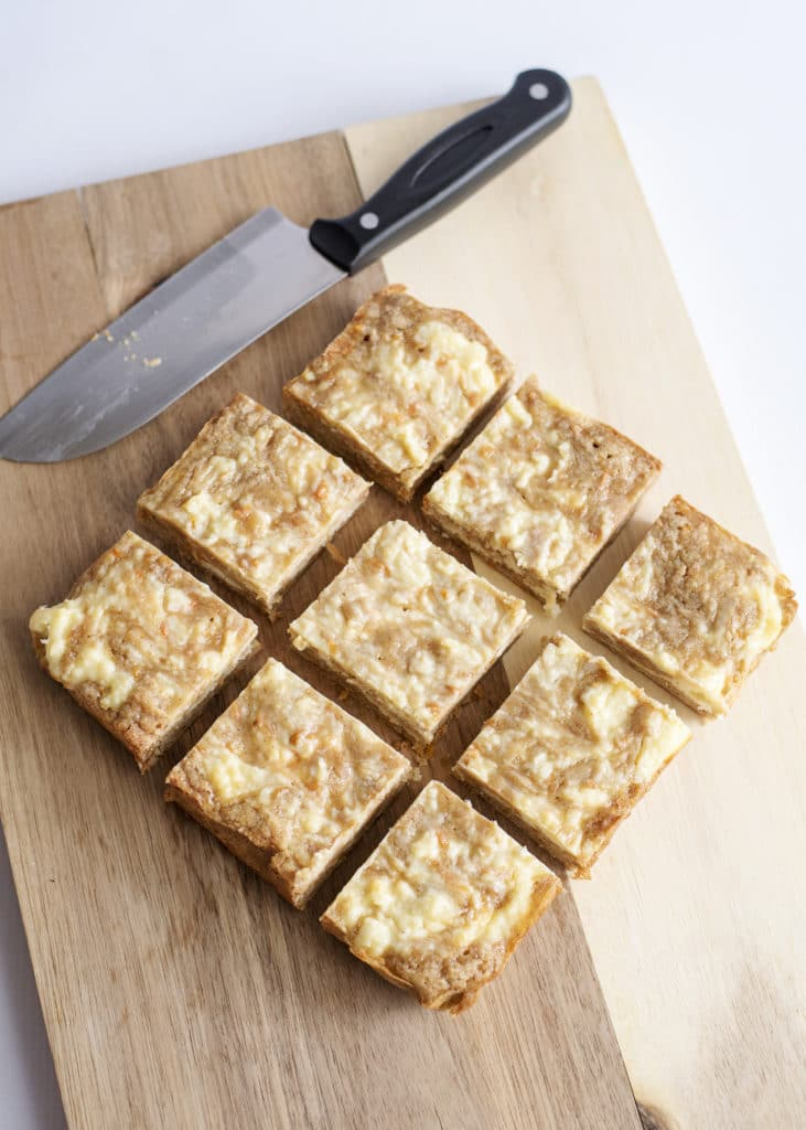 carrot cake blondies baked
