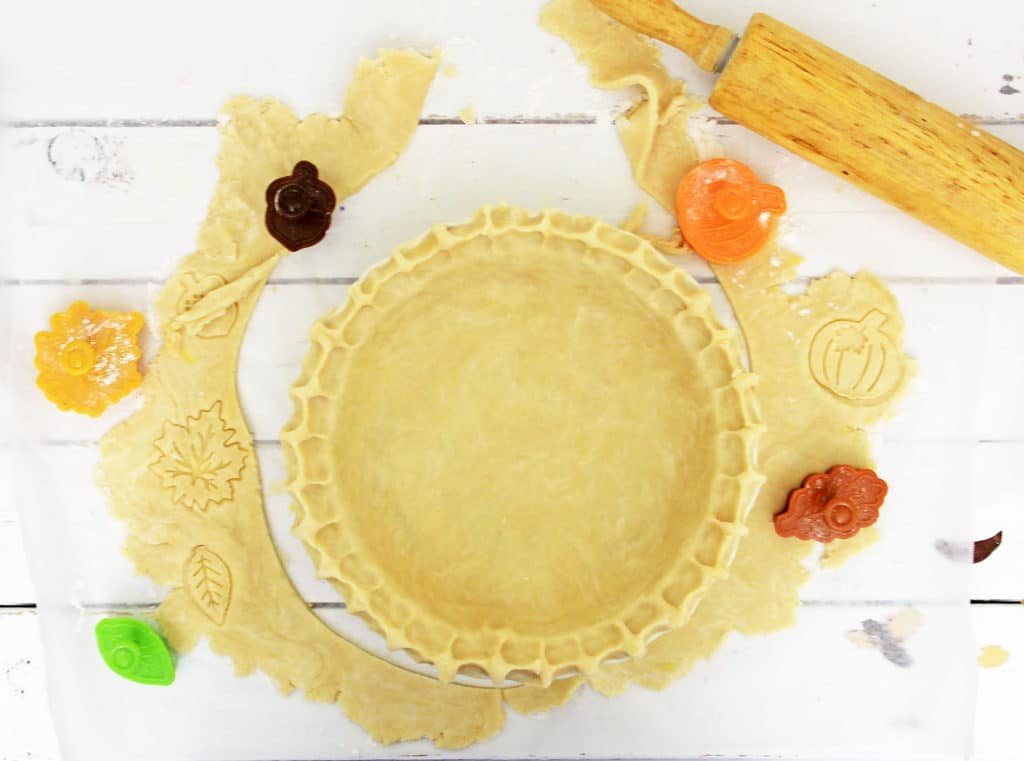 pie crust with leaf decorations