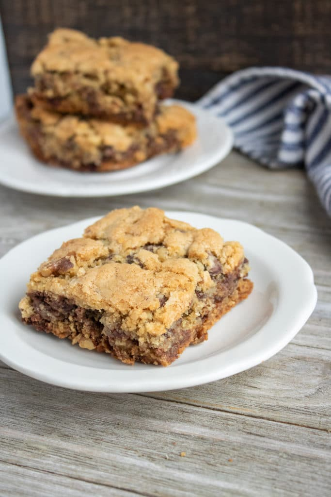 chocolate chip blondie on a white plate